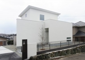 https://www.advance-architect.co.jp/works/2011/02/hhh/