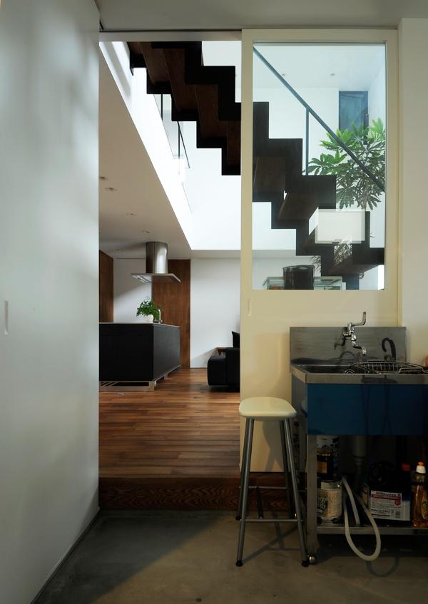 https://www.advance-architect.co.jp/works/2011/12/sit/