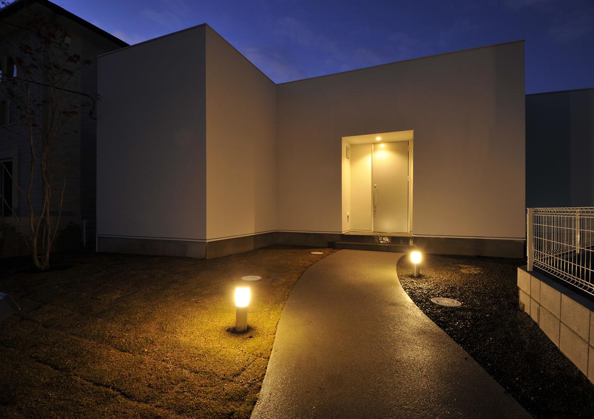 https://www.advance-architect.co.jp/works/2012/11/khk/