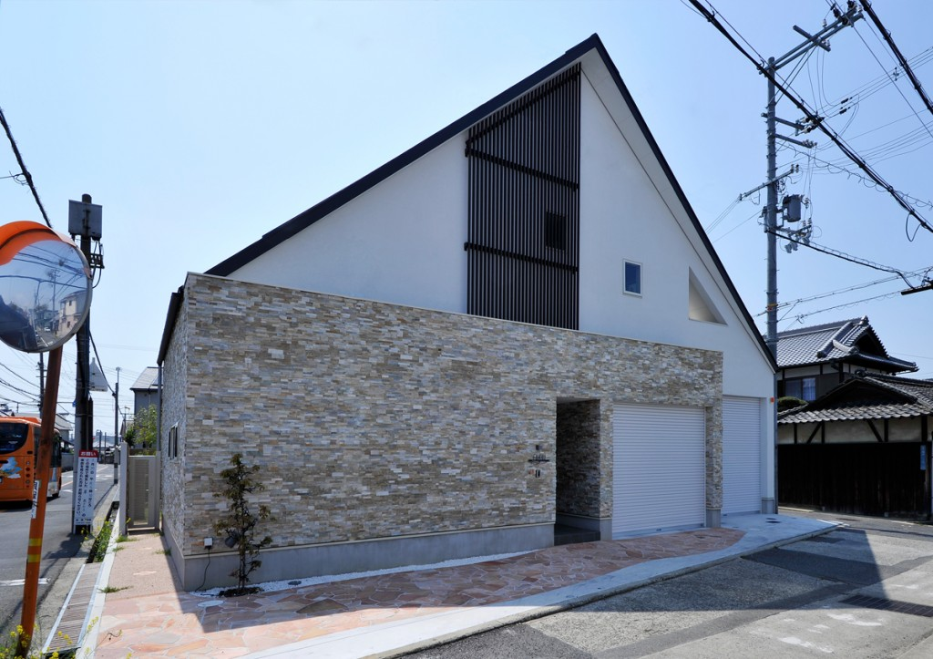 https://www.advance-architect.co.jp/works/2013/08/kkf/